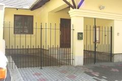 Kapu, kerítés, Makó – Nap u.